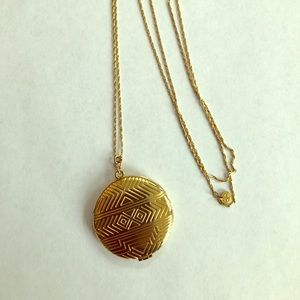 House of Harlow 1960 gold locket necklace